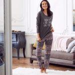Blanche porte pyjama