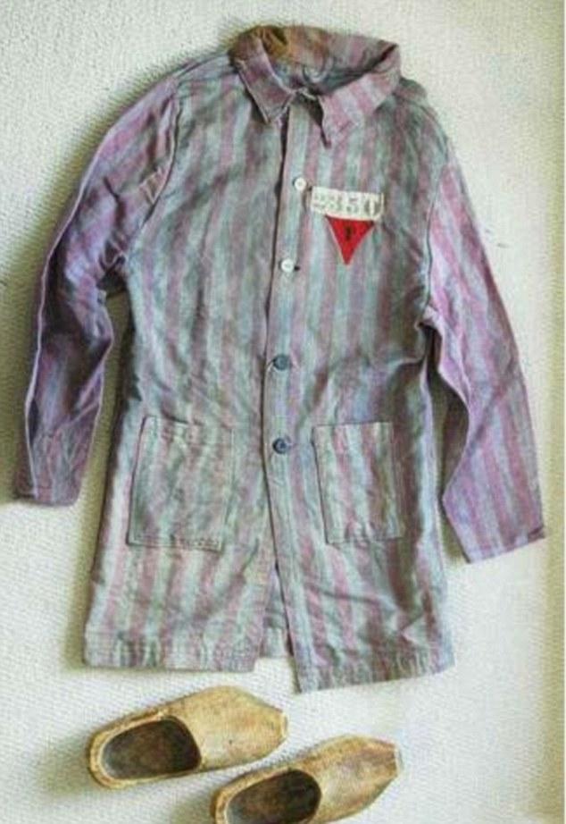 Auschwitz pyjama