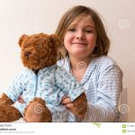 Elle mouille son pyjama