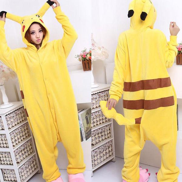 Pyjama cosplay pikachu